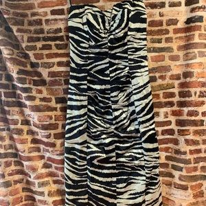 Zebra over knee tight strapless dress